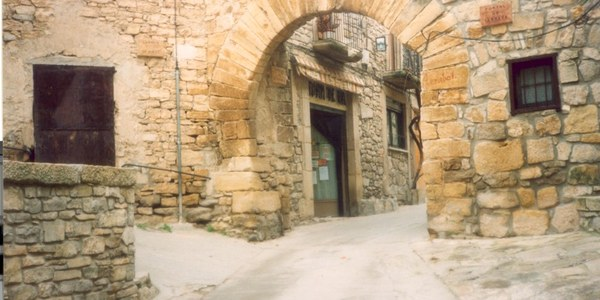 En curs de finalització les obres d'arranjament dels paviments de pedra del nucli urbà, finançades la Diputació de Lleida